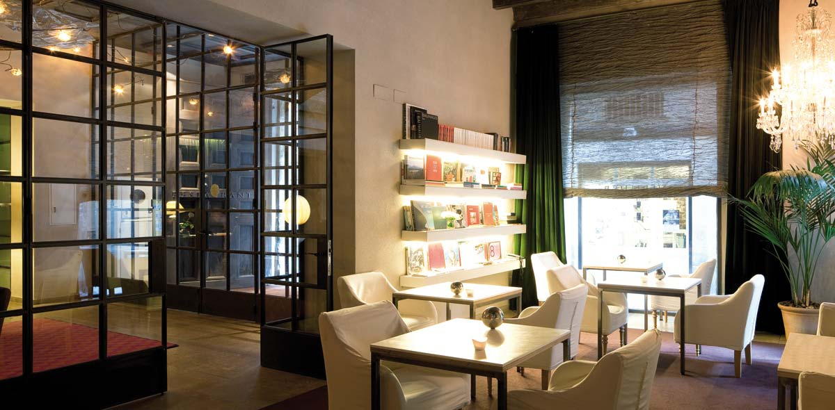 1200x590_fill_06-biblioteca-galeria-hotel-neri